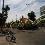 Karneval-Wagen entdeckt, auf dem Weg zum Busterminal